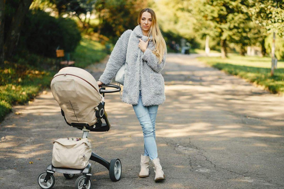 Le prime passeggiate con il neonato