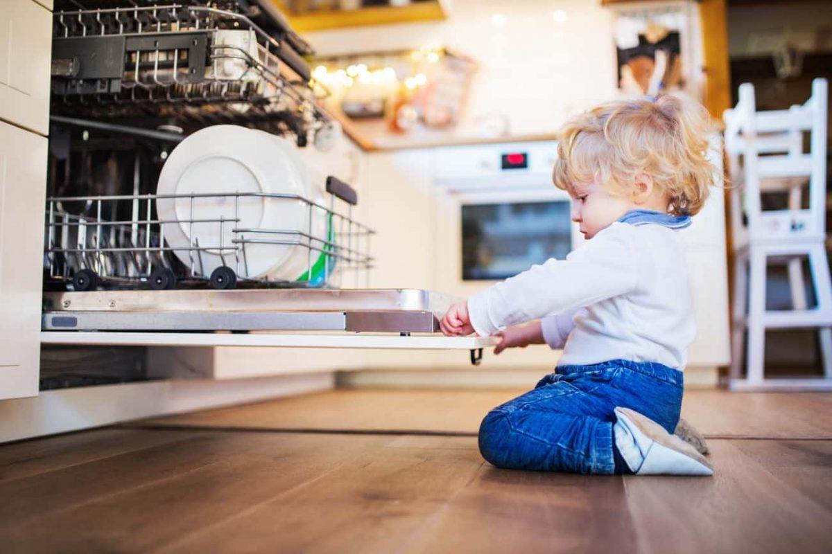 Sicurezza in casa del bambino: alcuni consigli