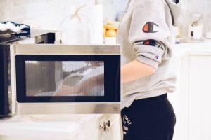 Read more about the article Sterilizzatore per microonde: i migliori e come utilizzarlo in sicurezza