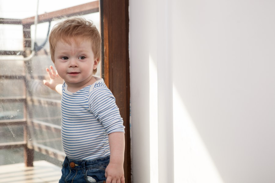 bambino di 18 mesi