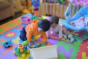 Read more about the article Tappeto gioco per bambini: come scegliere quello giusto